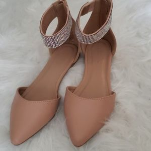 Nude pink w/diamonds flats